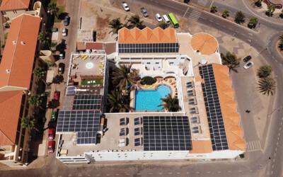 hotel panel solar